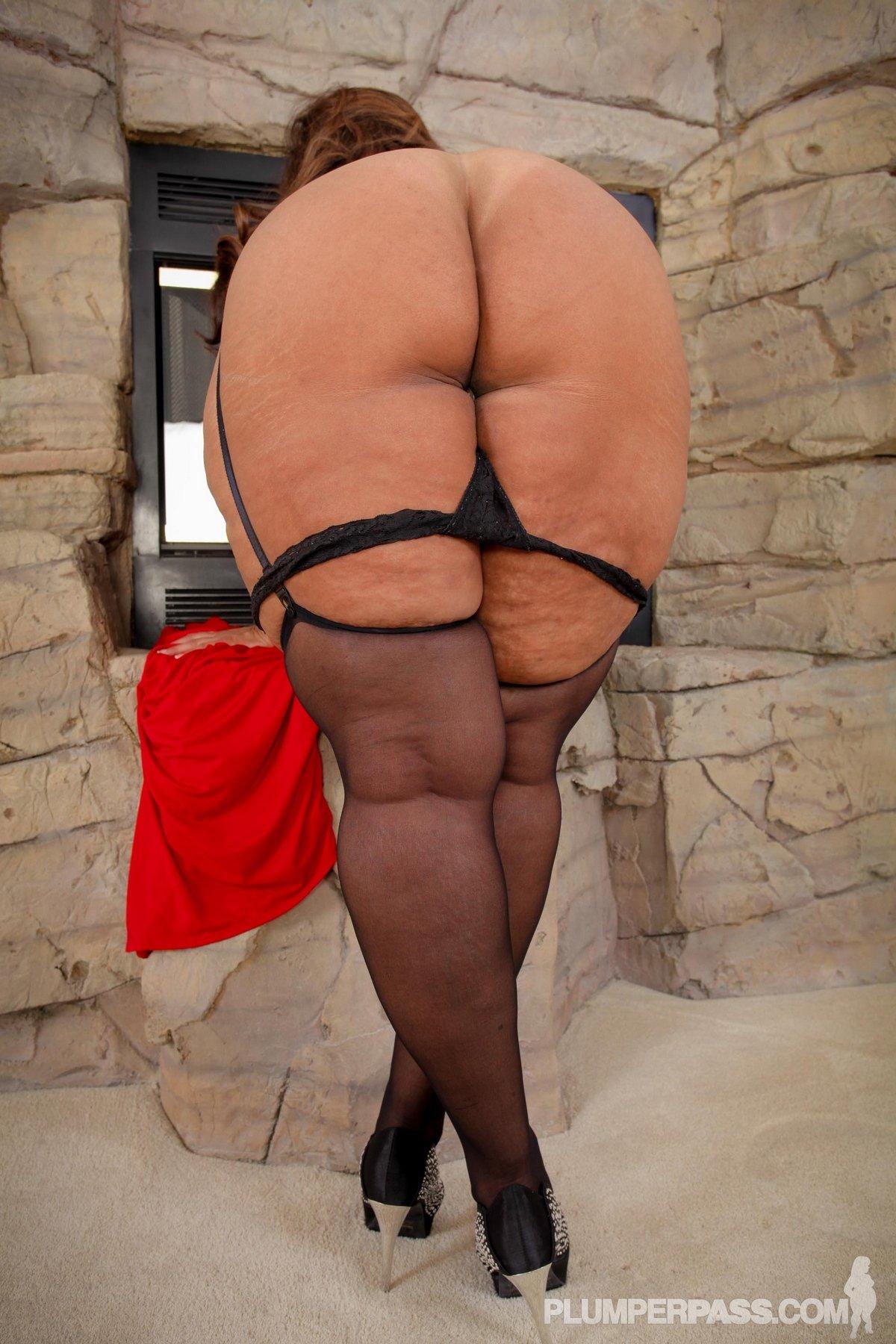 Эротика видео большие задницы зрелых дам