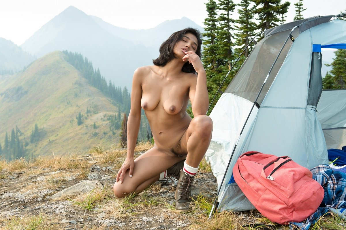 Backpacker nude pics free