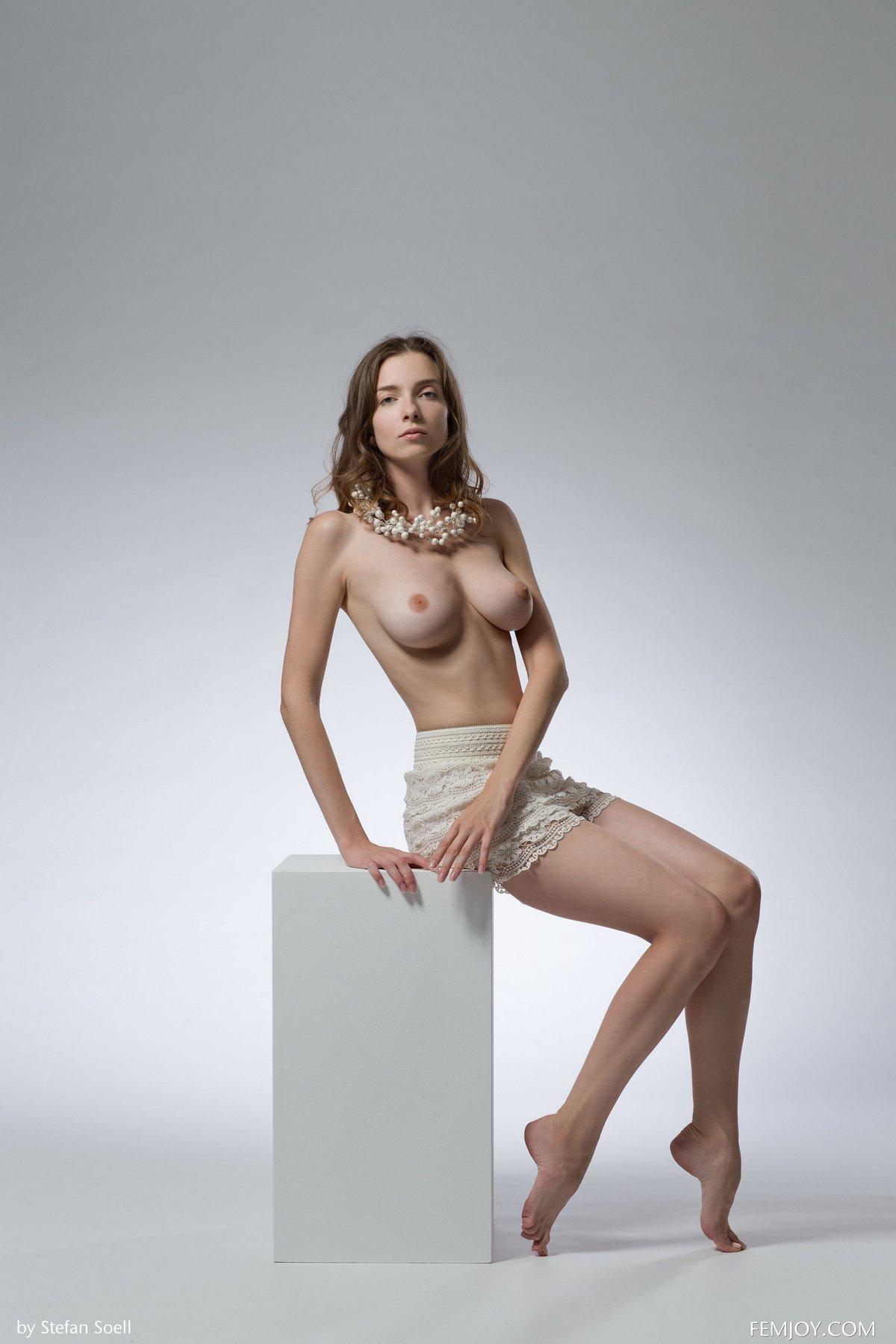 kuba-devushki-erotika-foto-styuardessa-soset-u-bogatogo