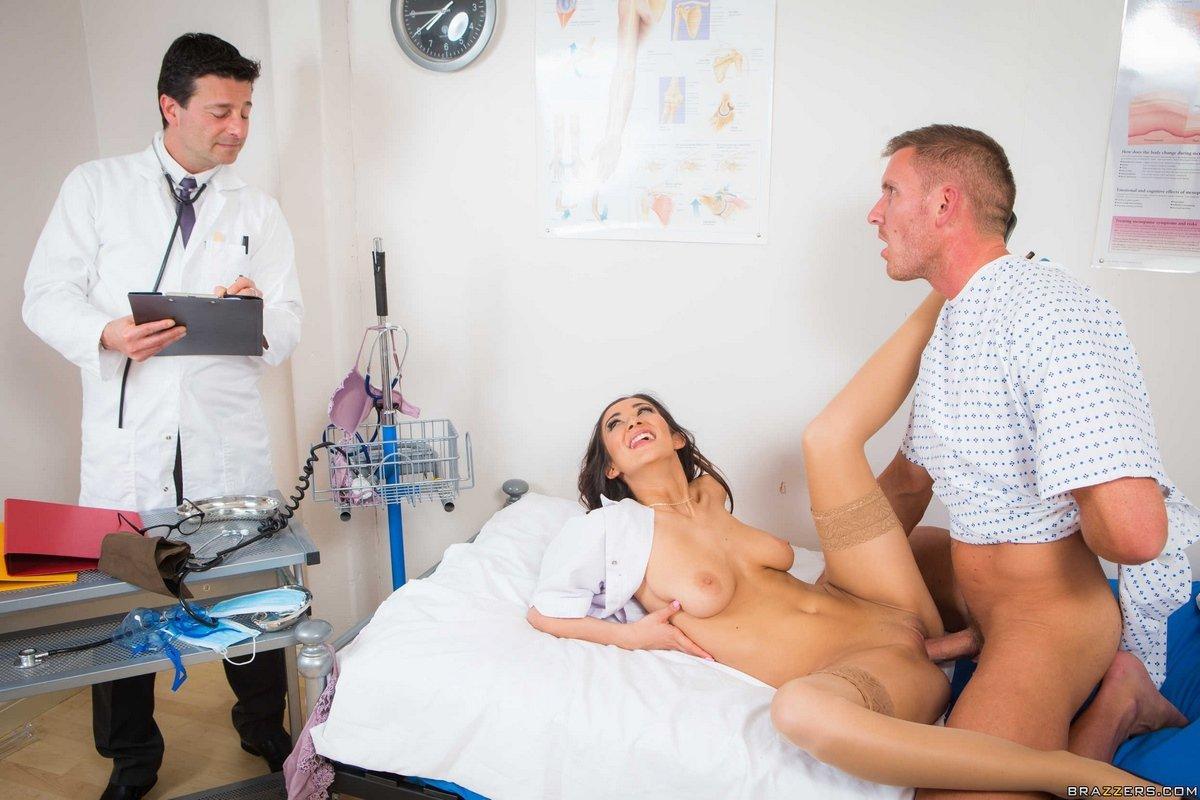 Смотреть порно медсестер с пациентами, Порно Медсестра - 54 видео. Смотреть порно онлайн! 16 фотография