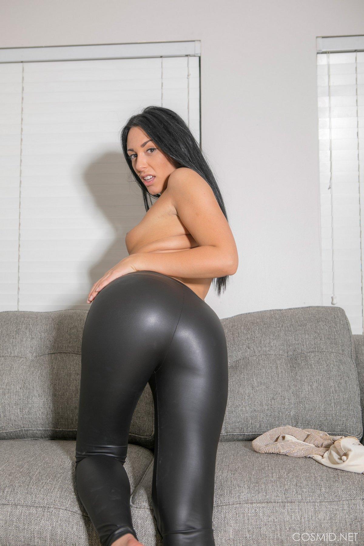 Черные попки женщин, пышные порно фото очень крупно