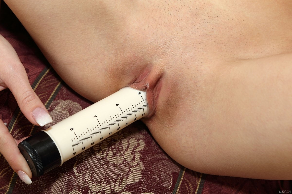 Kegg Tracks Your Fertility By Measuring Vaginal Mucus With A Kegel Ball
