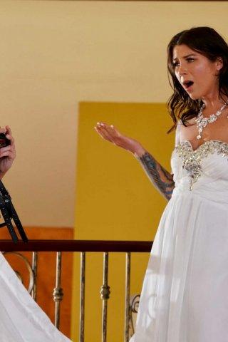 Невесту трахают страпоном, редтюб по русский