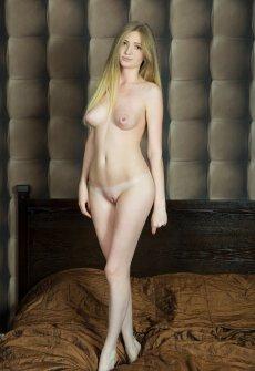Порно онлайн острые сиськи
