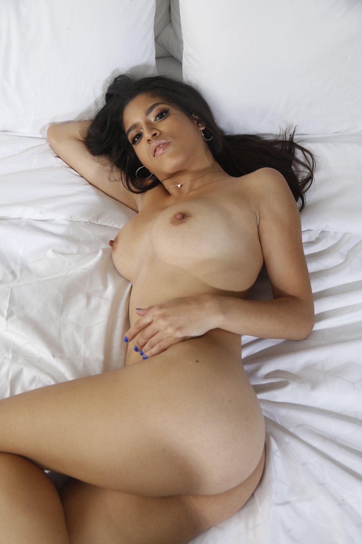 Gabriela Lopez Naked