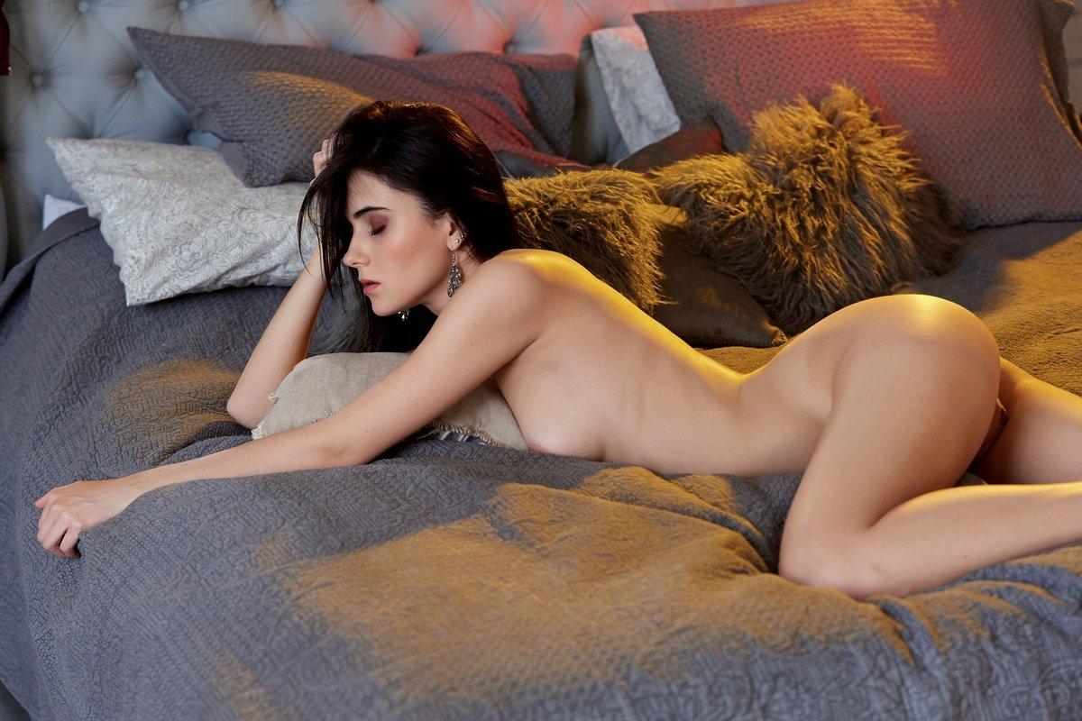 Mona Nude Photos Leaked Pics